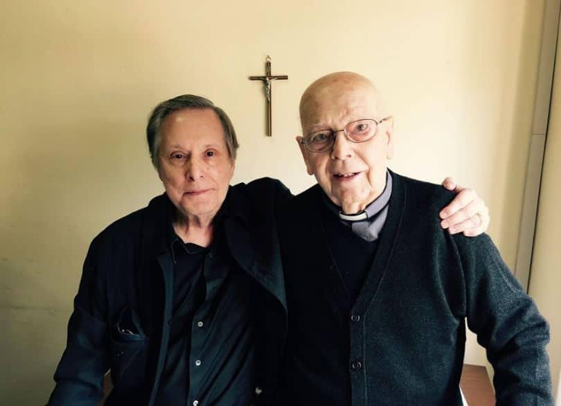 El demonio y el Padre Amorth: Lanzan documental sobre exorcismos en Festival de Venecia