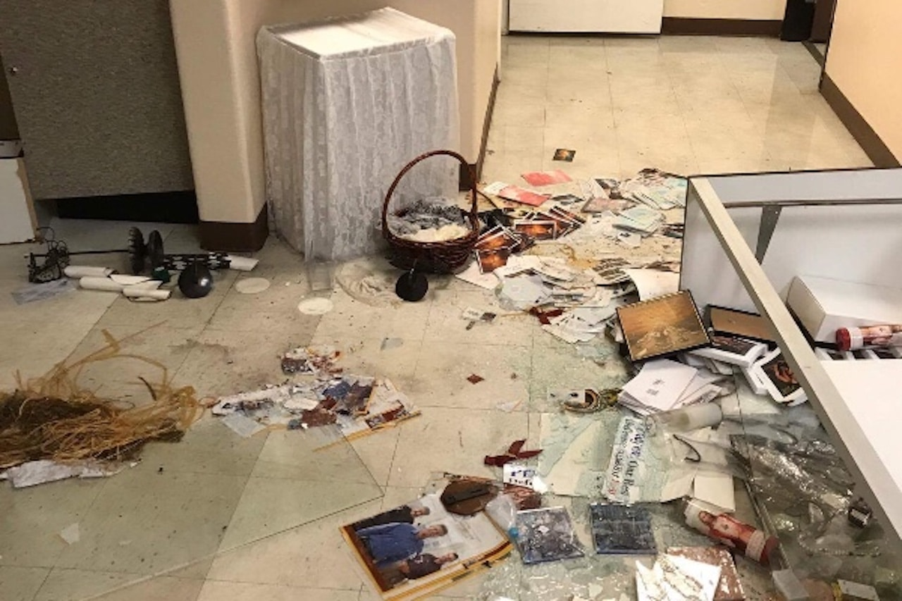 Incendian altar y roban dinero de colectas de iglesia católica en Las Vegas