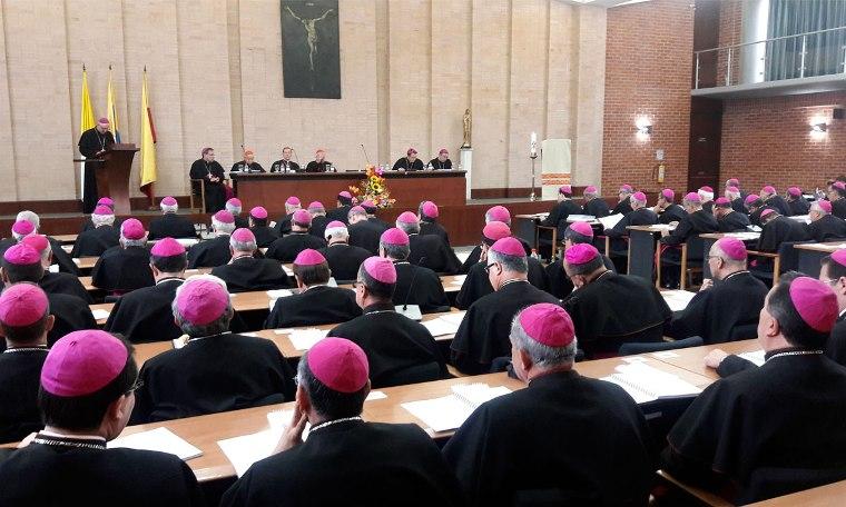 """Los obispos: """"No podemos permanecer parados ante las situaciones dramáticas del país"""""""