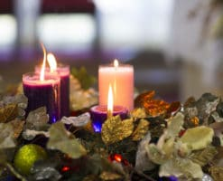 Corona de Adviento, ¿en qué orden se encienden las velas?