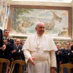 El Papa agradece los policías que garantizan el orden en el Vaticano