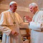 El Papa Francisco felicita la Pascua a Benedicto XVI