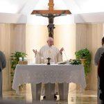 """El Papa invita a cambiar la fe """"interesada"""" por un auténtico amor que dé testimonio"""