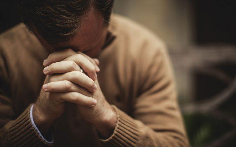 Oración para regresar con valor y confianza a la nueva realidad. Foto: Cathopic