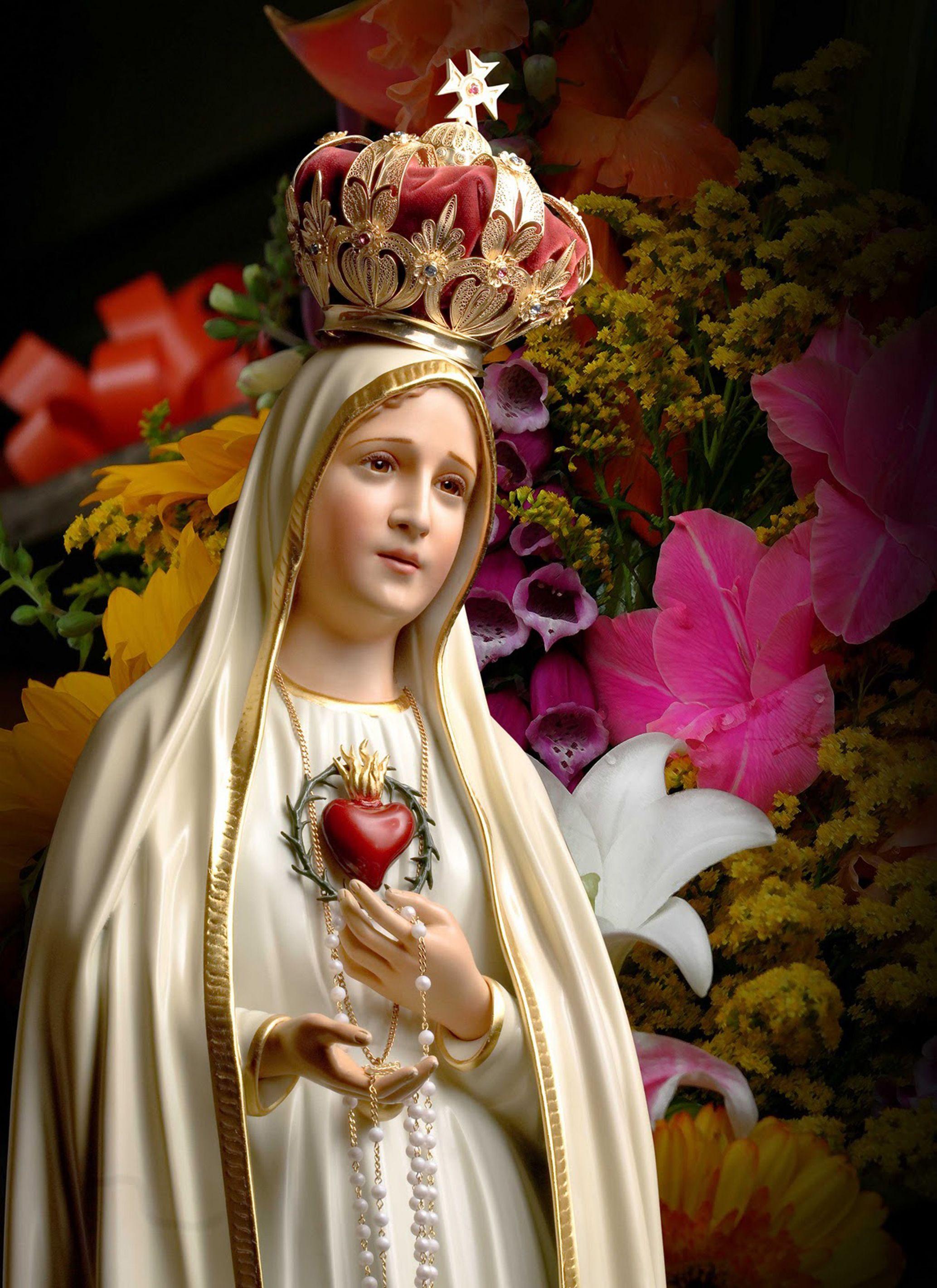 13 de mayo: Se conmemora la primera aparición de la Virgen de Fátima