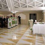 El Papa pide a los cristianos que sean testigos del Evangelio sin esperar recompensas