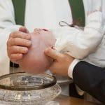 ¿Por qué bautizar a los niños y no esperar a que sean adultos?