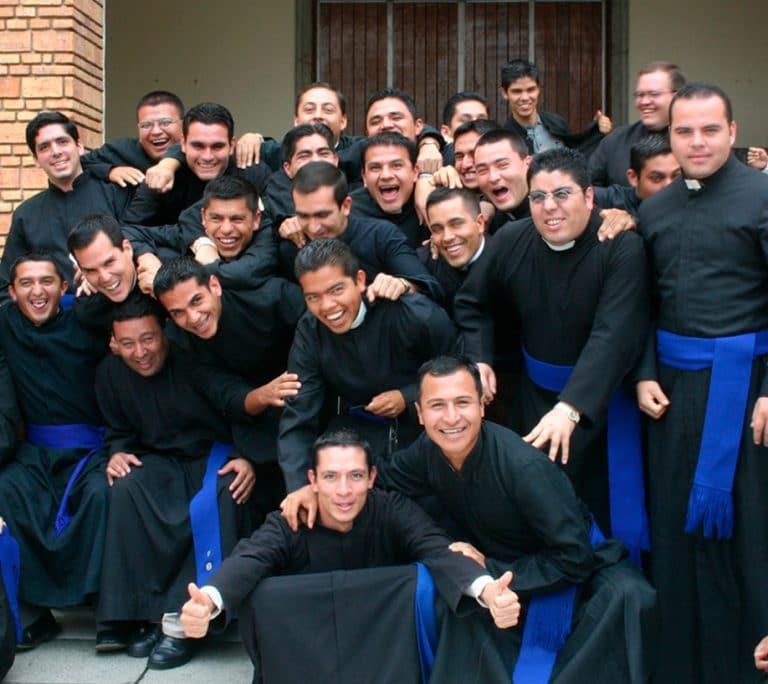 Jóvenes seminaristas.