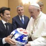 Papa: Que el deporte transmita a los jóvenes la pasión por la vida
