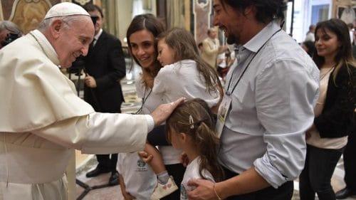 Papa: la ternura es derramar en el mundo el amor de Dios