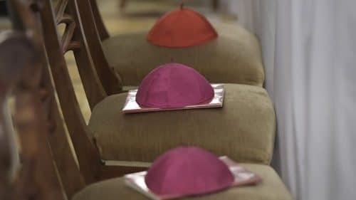 Papa: Parece que el Gran Acusador está enfadado con los obispos
