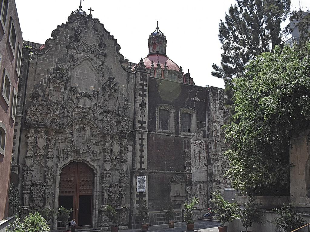 La Iglesia de los paseantes del Centro