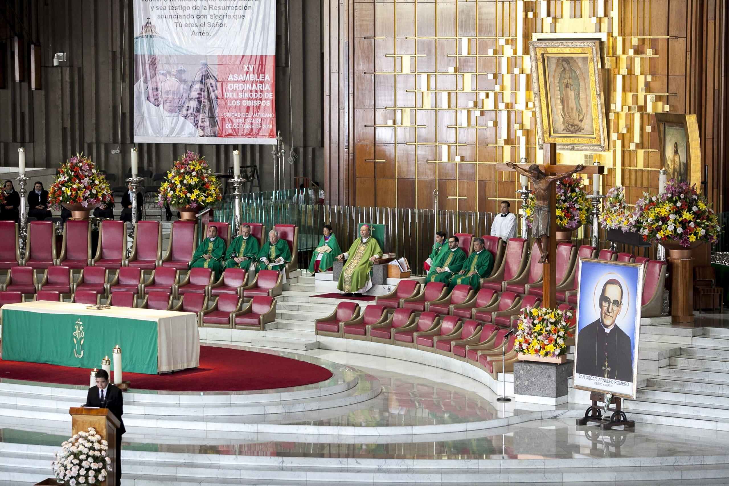 El Nuncio Franco Coppola celebra misa por los nuevos santos
