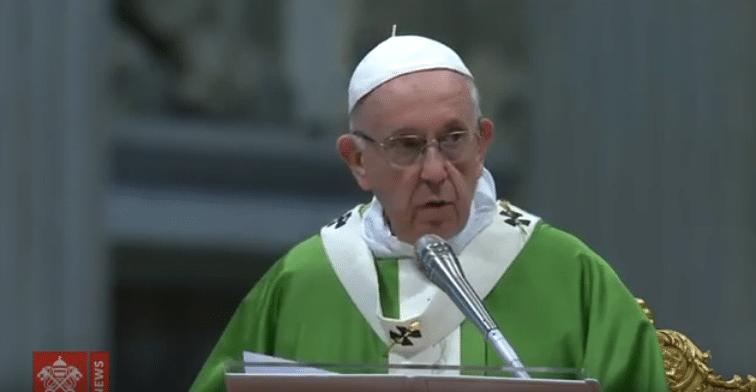 """""""Jóvenes: Disculpen si no los hemos escuchado"""", Papa en clausura del Sínodo"""
