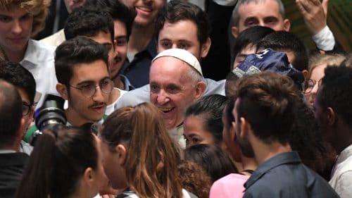 Sínodo Obispos. Francisco se encontrará con jóvenes y ancianos