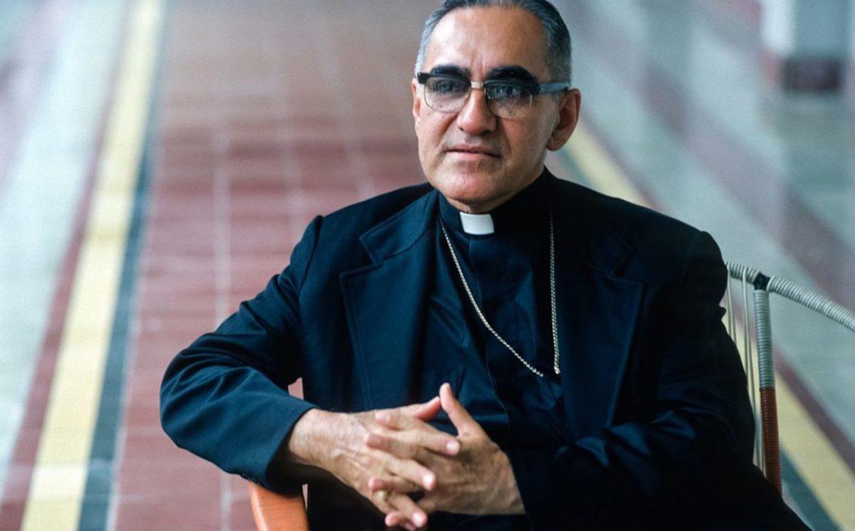 San Óscar Romero fue Arzobispo de San Salvador y declarado mártir de la Iglesia Católica.