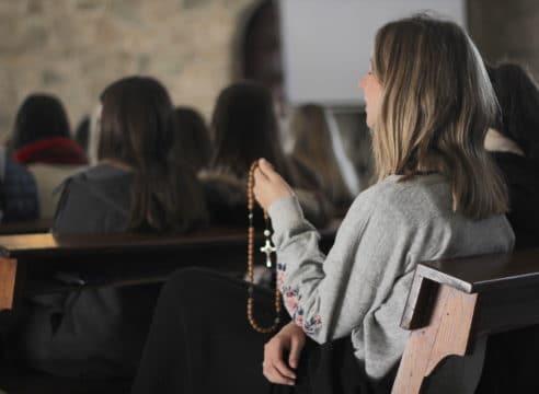Cuatro propuestas para rezar el Rosario