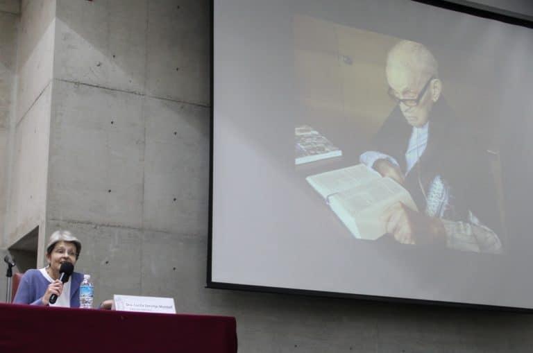 Conferencia de prensa en IMDOSOC, en pantalla Lorenzo Servitje