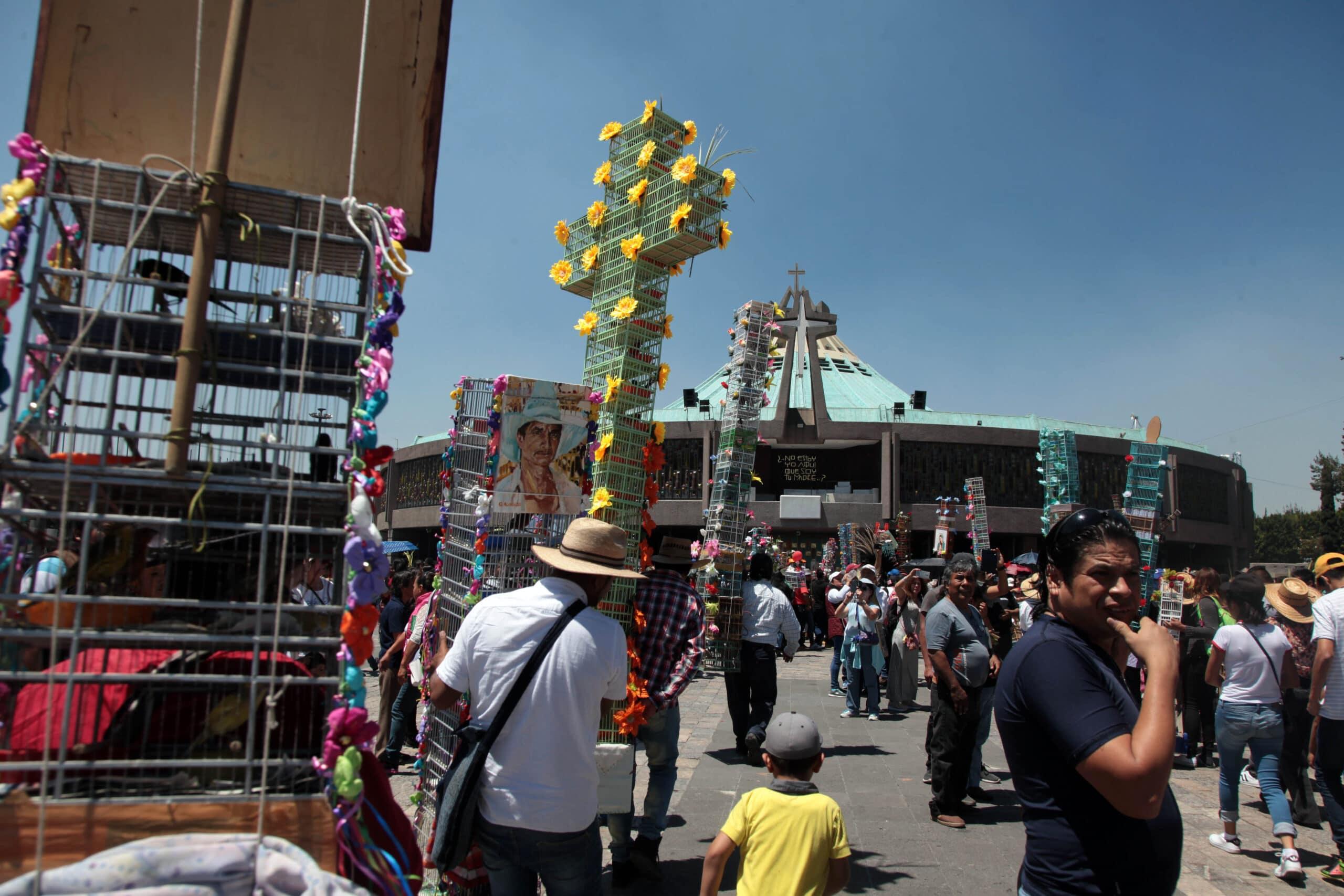 Estas son algunas de las peregrinaciones más peculiares que recibe la Basílica de Guadalupe.
