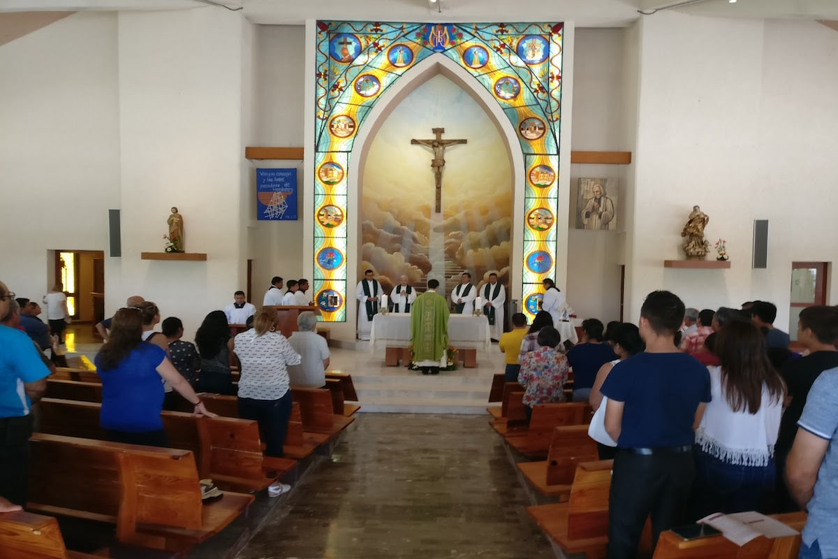¿Te has preguntado por qué los sacerdotes cambian de parroquia? Es con el propósito de brindar la mejor atención posible a los feligreses.