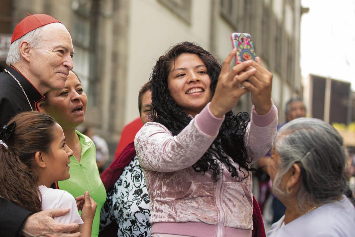 Fue su familia la que le inculcó al Cardenal Carlos Aguiar el amor por la Virgen Morena.