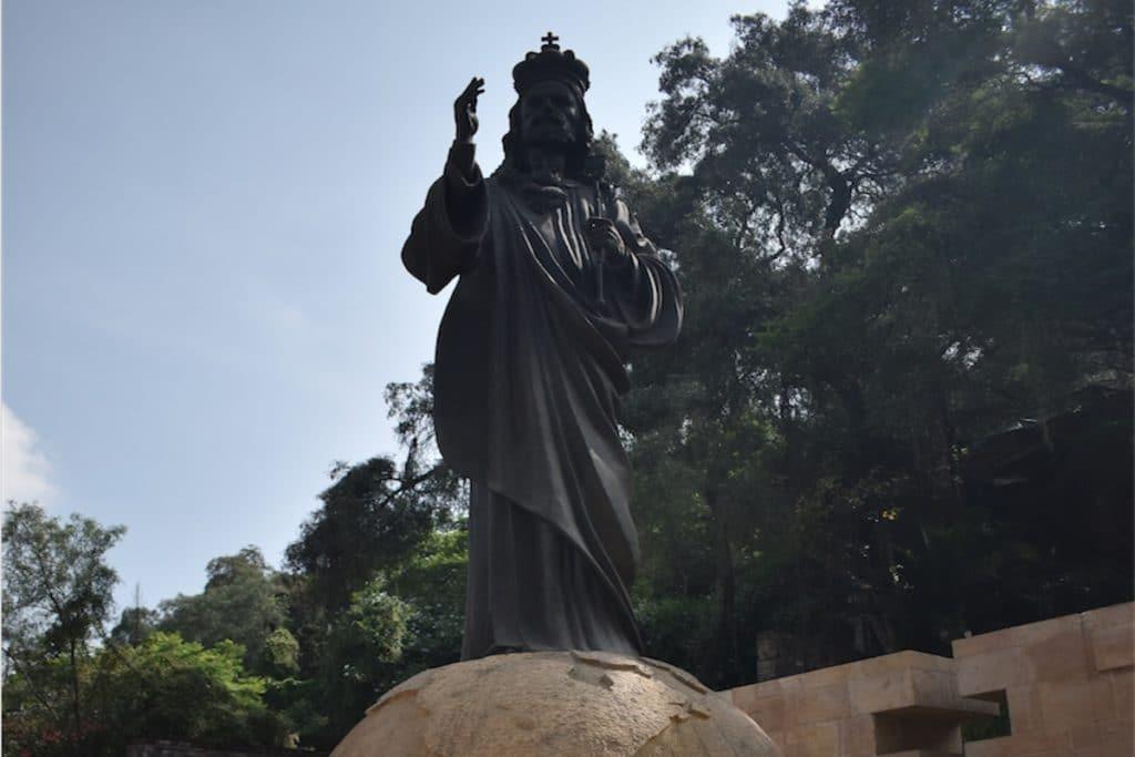 El jardín de las Bienaventurazas está a las faldas de Tepeyac, en la Basílica de Guadalupe.