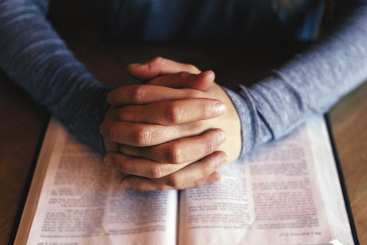 Orar es llenar nuestra vida de Dios, quien da la fuerza para alcanzar cada una de nuestras metas.