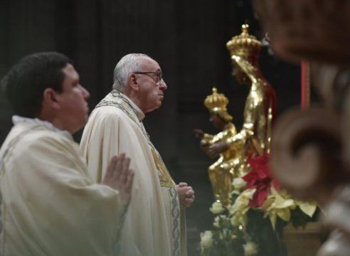 En víspera de Año Nuevo, el Papa pide pensar en las personas sin hogar