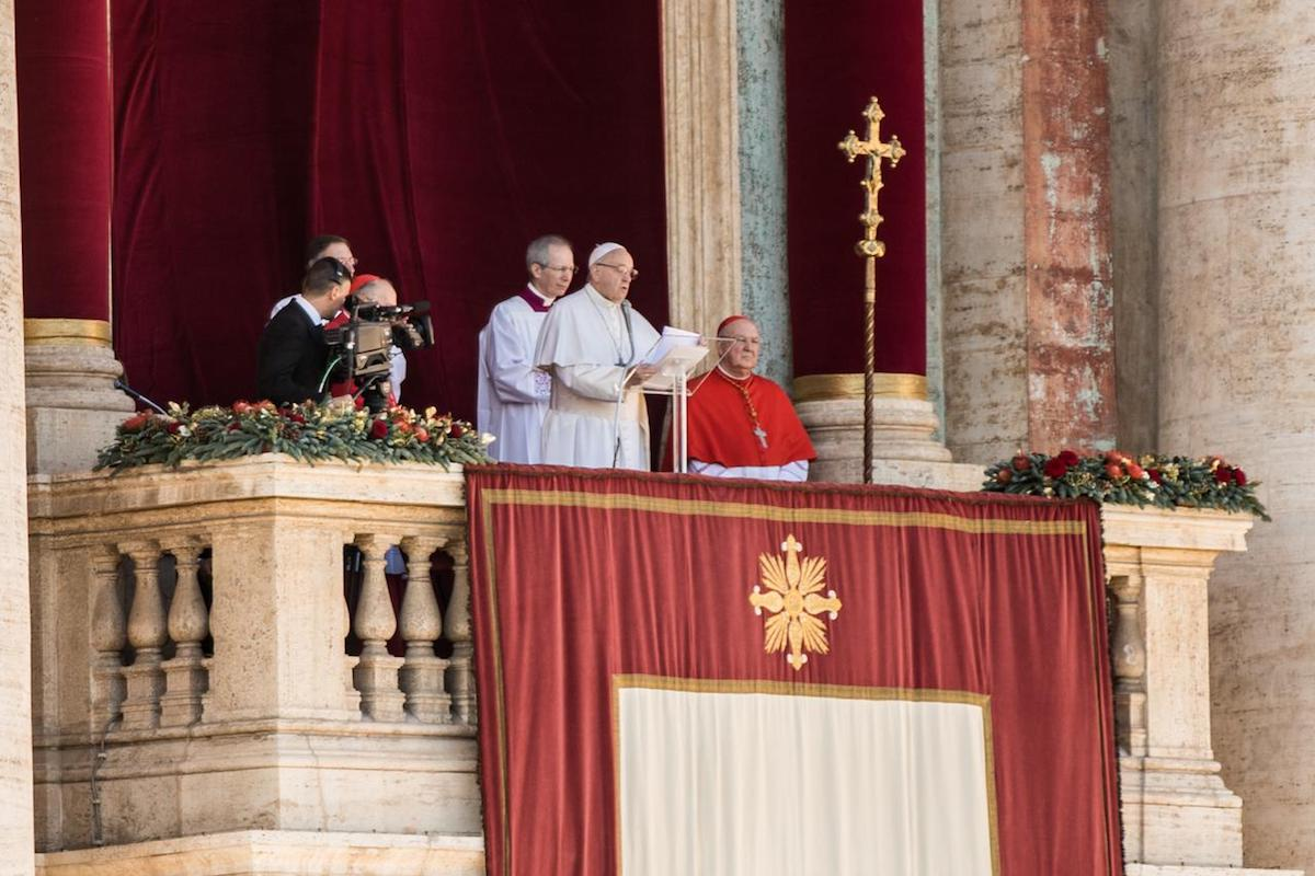 Durante su Mensaje navideño, el Papa Francisco llamó a vivir como hermanos de Dios.