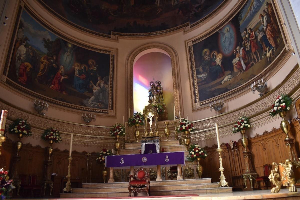 La Parroquia de la Sagrada Familia está ubicada en la colonia Roma.