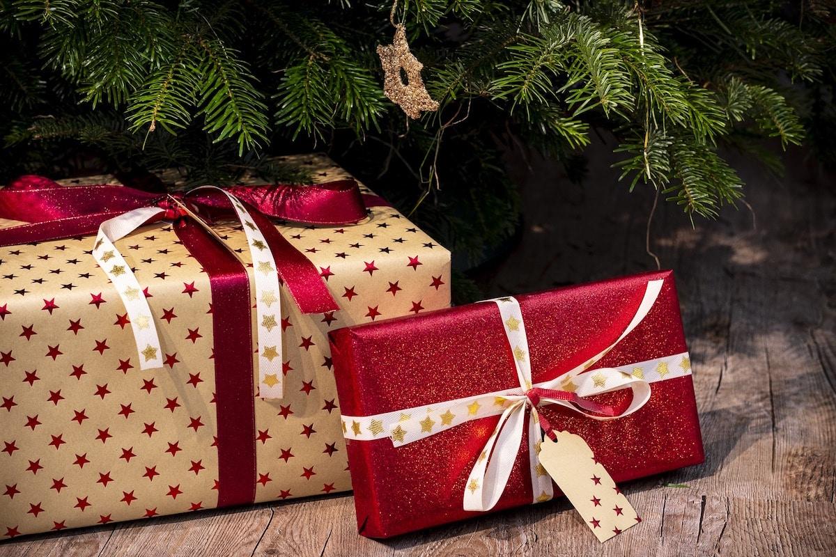 Como personas de fe, sería bueno que los regalos que hacemos en Navidad expresen nuestros valores. Mira estas recomendaciones.