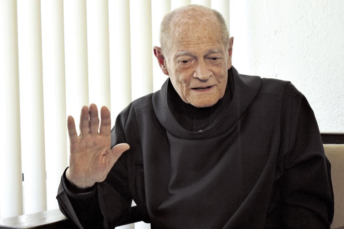 Fray Gabriel creó la tipografía religiosa cuando estudiaba en la Facultad de Arquitectura.