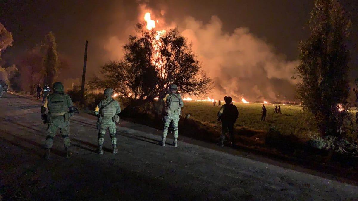 Las autoridades reportan más de 100 fallecidos, consecuencia de la explosión en Tlahuelilpan. Foto: Notimex