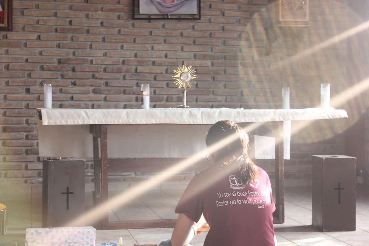 """""""He notado que la Iglesia tiene fieles sin fe, peregrinos por tradición, devotos por costumbre y fanáticos con miedo""""."""