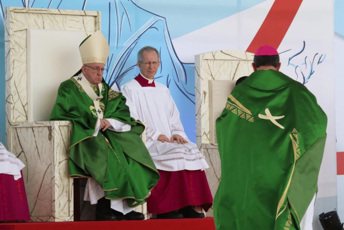 """El Papa Francisco dice que los jóvenes son el """"hoy de Dios""""."""