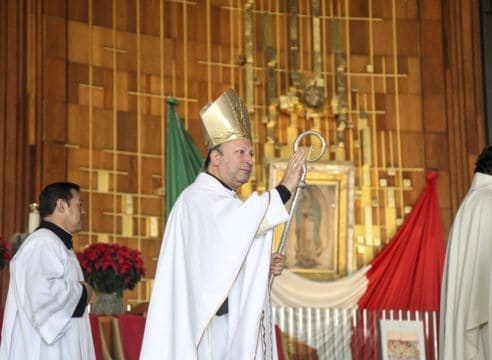 Los migrantes, tema cercano al corazón del Papa: Nuncio Apostólico