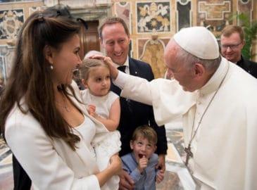 Por qué nunca debes pelear frente a los hijos, según el Papa Francisco