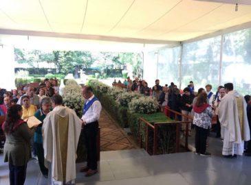 Aunque el templo está cerrado, la parroquia de San Jerónimo sigue viva