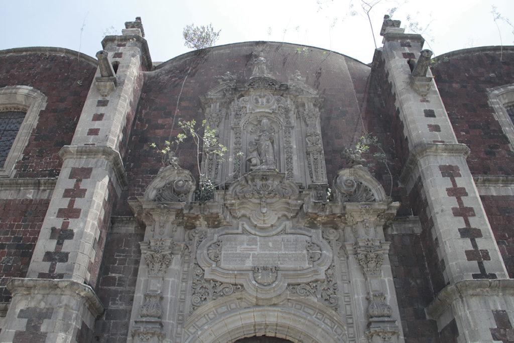 La Parroquia de Santa Veracruz se cierra temporalmente para restauración.