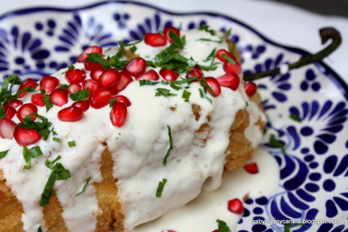 Se dice que los chiles en nogada fueron inventados por las monjas agustinas del Convento de Santa Mónica en Puebla. Especial
