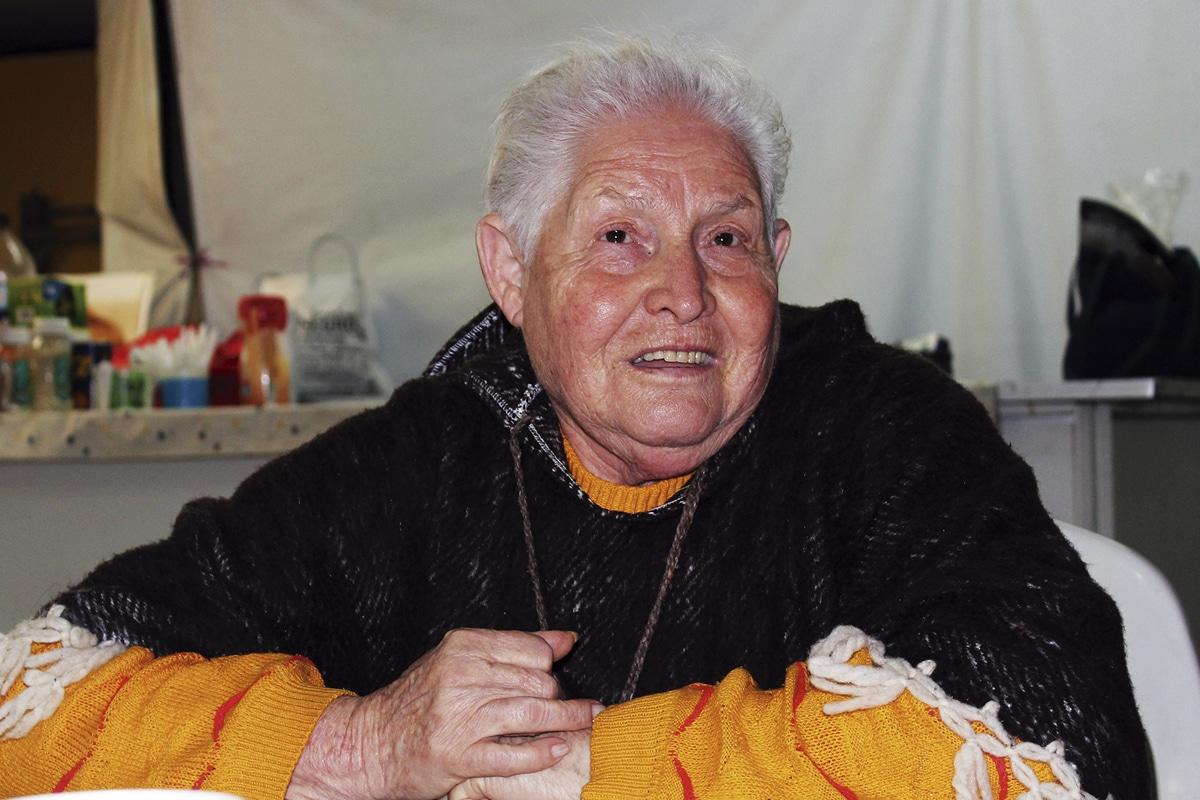 La Parroquia Nuestra Señora de Guadalupe Reina del Trabajo reúne fondos a través de la venta de comida.