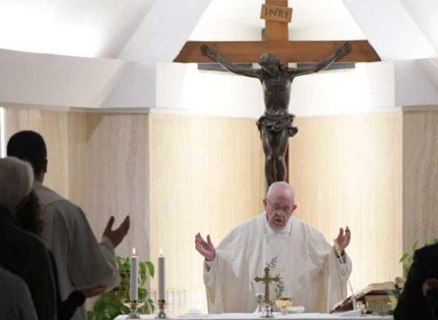 Papa Francisco: memoria y esperanza, remedios contra el abatimiento