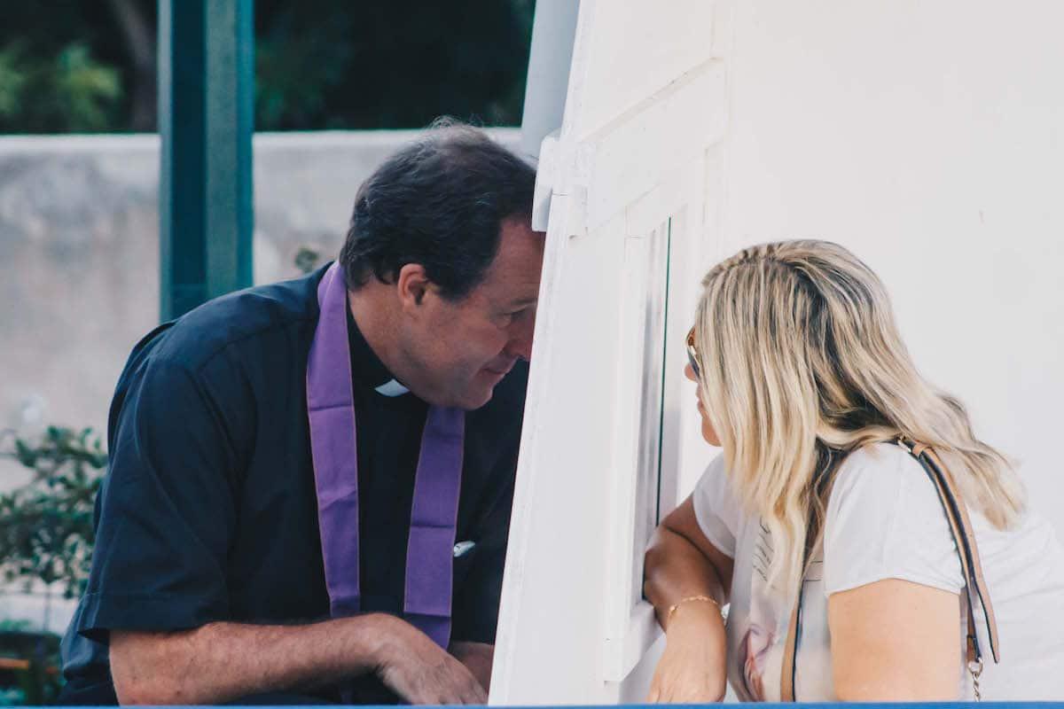 ¿Cada cuándo es bueno acudir a una confesión? Foto: Cathopic