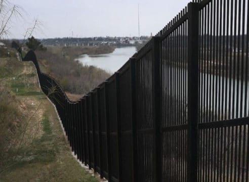 Obispos de México y EU convocan reunión de emergencia contra muro
