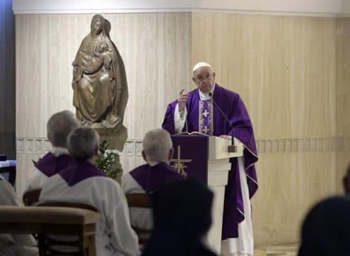 Un corazón fiel es el que escucha al Señor: Papa Francisco