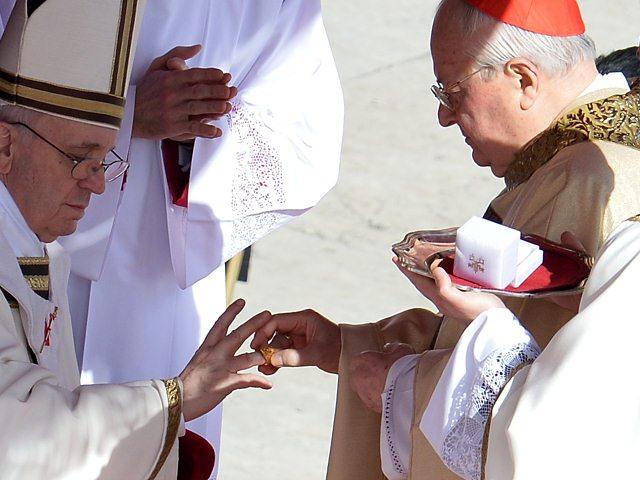 El anillo de pescador del Papa Francisco