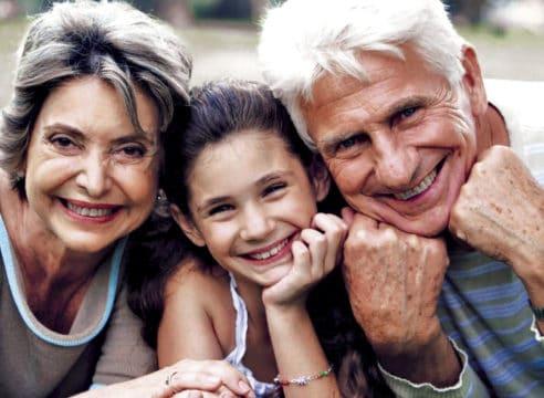 ¿Cuál es el rol de los abuelos dentro de una familia?