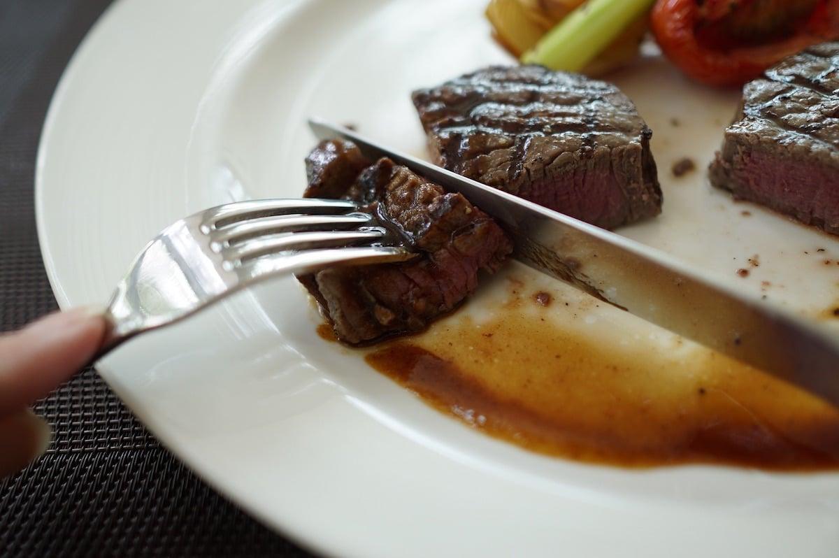 La Iglesia pide abstenernos de comer Carne los viernes de Cuaresma, el Miércoles de Ceniza y los viernes de Cuaresma. Foto: Pixabay