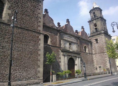 La iglesia que resguarda los restos del conquistador Hernán Cortés