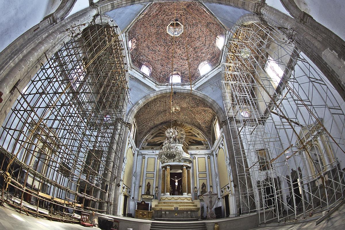 Interior de la Parroquia de Santa Catarina Virgen y Mártir. Foto: María Langarica